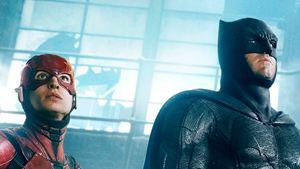 """Noch mehr Teaser und Poster zu """"Justice League"""": Batman und The Flash in Aktion"""