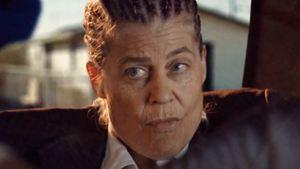 """Nach """"Terminator 6"""": Linda Hamilton macht im Trailer zu """"Easy Does It"""" nochmal auf Badass"""