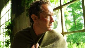 """Neue Mystery-Serie mit """"The Leftovers""""-Vibes: Trailer zu """"The Third Day"""" mit Jude Law"""