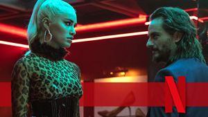 """Die neue Netflix-Serie des """"Haus des Geldes""""-Machers: Sex, Action und Gewalt im Trailer zu """"Sky Rojo"""""""