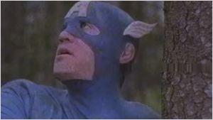 """Von Sam Raimi auf Speed zusammengeschnitten: Honest-Trailer zu """"Captain America"""" - aus den 90ern"""