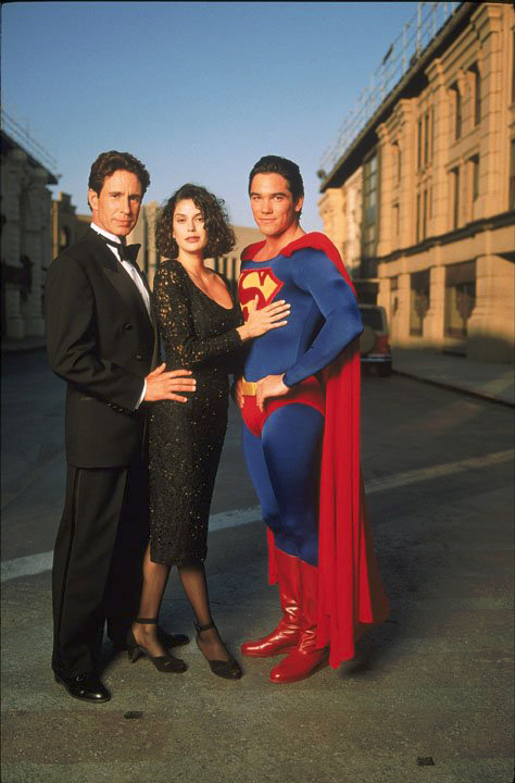bild zu teri hatcher zum die tv serie superman die. Black Bedroom Furniture Sets. Home Design Ideas