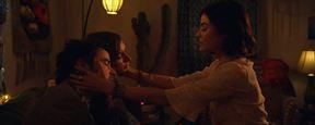 """Im Trailer zu """"The Unicorn"""" hat ein Paar (fast) einen Dreier mit """"Pretty Little Liars""""-Star Lucy Hale"""