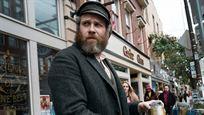 """Trailer zur Komödie """"An American Pickle"""": Seth Rogen überlebt 100 Jahre in Gurkenwasser"""