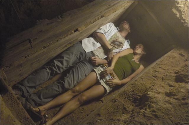 Buried alive lebendig begraben photo