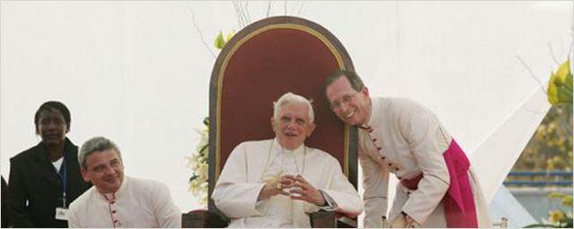 """""""Der Wixxer""""-Produzent Christian Becker plant TV-Zweiteiler über das Leben von Papst Benedikt XVI."""