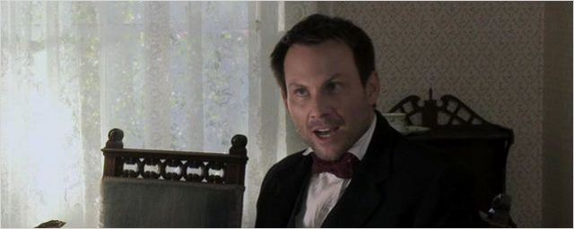 """Erster Trailer zum Sci-Fi-Horrorfilm """"Stranded"""" mit Christian Slater"""