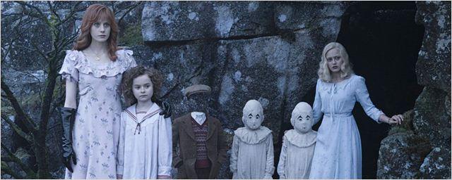 """""""Die Insel der besonderen Kinder"""": Viele neue Poster zu den Figuren aus Tim Burtons Fantasy-Abenteuer"""