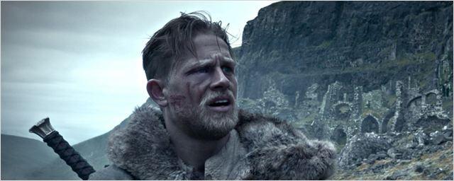 """Charlie Hunnam im deutschen Trailer zu Guy Ritchies """"King Arthur - Legend Of The Sword"""""""