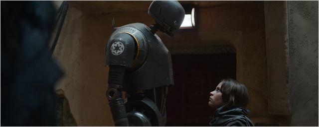 """Das Gegenteil von C-3PO, gekreuzt mit Chewbacca: """"Rogue One: A Star Wars Story""""-Droide K-2SO auf schickem Empire-Cover"""