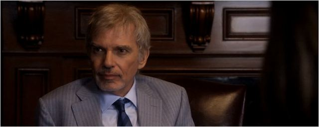 """Goliath"": Billy Bob Thornton vs. William Hurt im Trailer zur neuen Anwaltsserie des Erfinders von ""Boston Legal"" und Co."