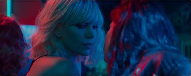 """""""Atomic Blonde"""": Charlize Theron kämpft und küsst im ersten Trailer zum Agenten-Actioner des """"John Wick""""-Regisseurs"""
