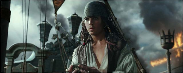 "Neue Figurenposter zu ""Pirates Of The Caribbean 5: Salazars Rache"" mit stoischem Johnny Depp"