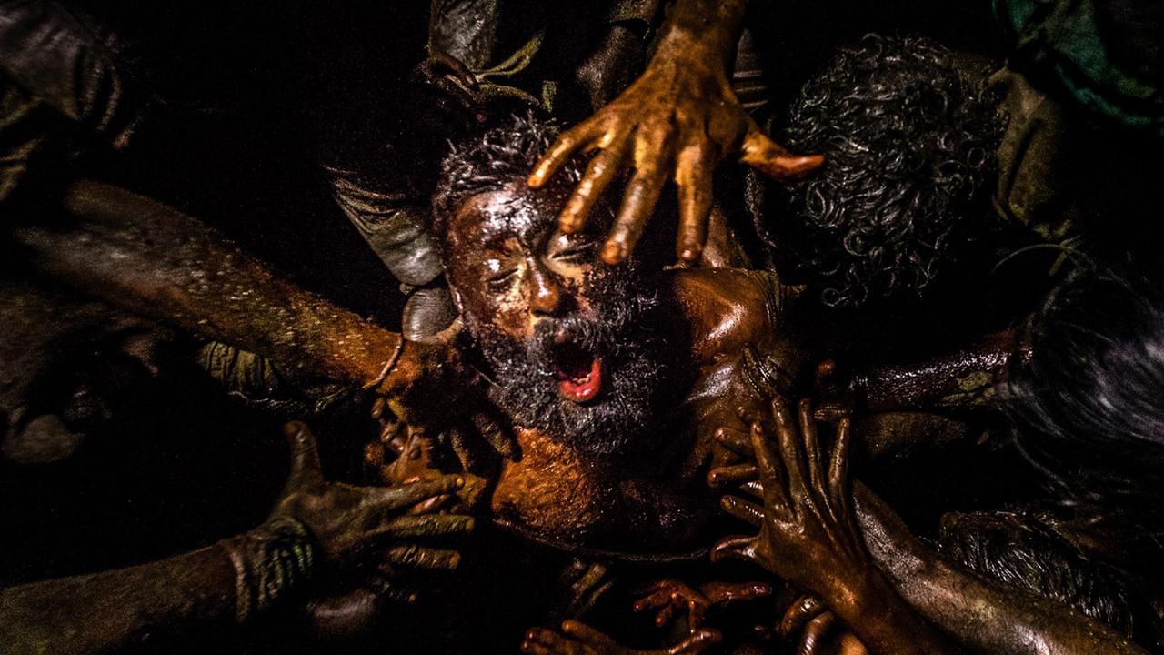 """""""Mad Max: Fury Road"""" mit Bulle: Im Trailer zu """"Zorn der Bestien – Jallikattu"""" wird der pure Wahnsinn entfesselt"""